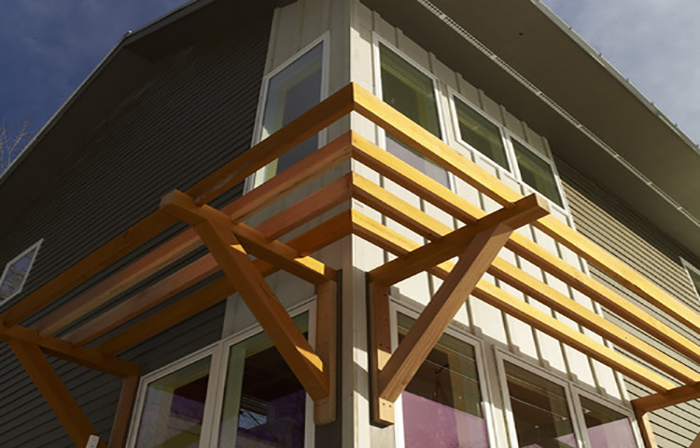 Mái che nắng từ thanh lam gỗ nhựa